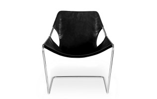 Paulistano arm chair in leather. Purchased in 2012 from Design Within Reach. Stainless steel frame. Adjustable Leather Sling. Current List: $1680.- Modele's Price : 950.-