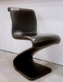 **ITEM NOW SOLD**Ribbon Chair. No mfg name. 125.-