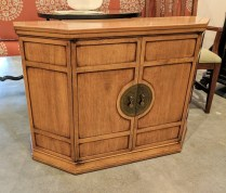 **ITEM NOW SOLD**Vintage American made Asian-style credenza. 350.-