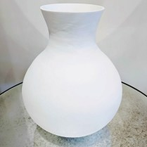**ITEM NOW SOLD**Large white vase. 75.-