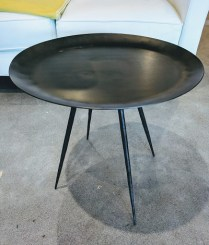 **ITEM NOW SOLD**Metal side table. Legs can be unscrewed for transport. Made in India. 125.-