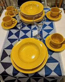 **ITEM NOW SOLD** Williams Sonoma 16 pc. dish set. Approx. 15 years old, only used a few times. 4 Each: dinner plate/ pasta bowl/ cup & saucer. Mixes well with other patterns and colors! 45.- set
