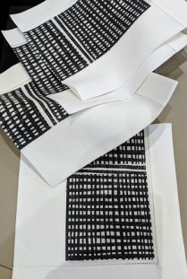 **ITEM NOW SOLD** Set/4 Geoffrey Beene linen napkins, with hem stitch detail. Never used. Purchased in NYC. Orig. List: $100. set Modele's Price: 60.- set