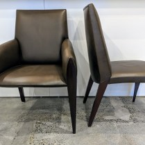 Set/6 Dakota Jackson 'Ke-Zu' dining chairs in leather. 2 armchairs/4 side chairs. Current list: approx. $18,000. Modele's Price: 3975.- set/6
