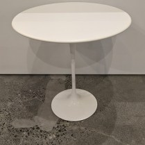 """**ITEM NOW SOLD** Knoll Saarinen side table with laminate top. Approx. 2 years old. 20"""" dia. x 20.75""""h. Current list: $838. Modele's Price: 450.-"""