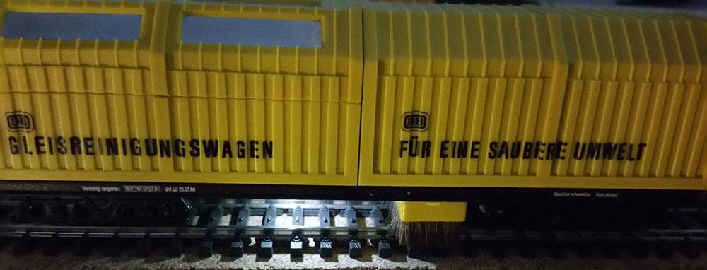 Arbeitslicht am LUX Schienen-Staubsauger