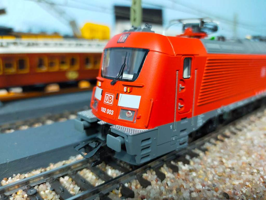 BR102 003 von Škoda