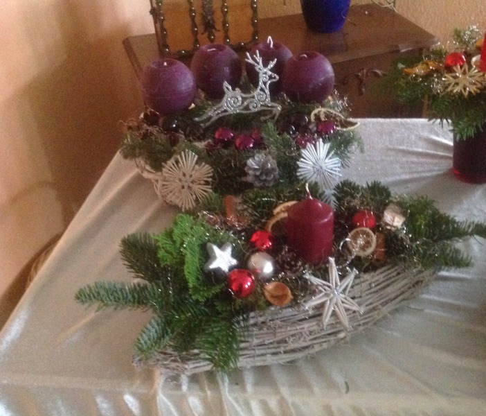 MODERN GARD  Adventsgestecke