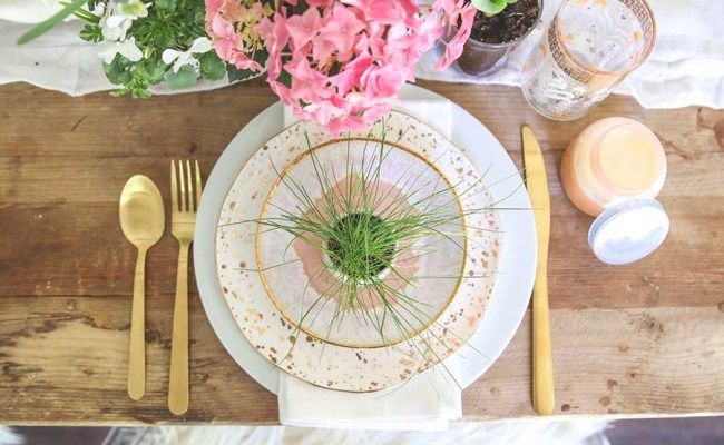 A Simple And Fresh Easter Table