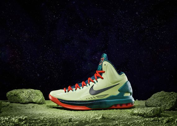 13-100_Nike_Allstar_Bball_Ind_KD_Planet-02_large