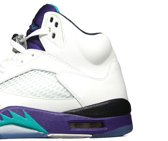 It stirred up a controversy as for Moore did not appreciate that only white  shoes or boots were allowed in a new game. This The air jordan shoe was  made ...