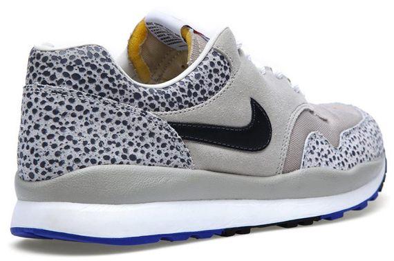nike-air-safari-classic-stone-grey_04