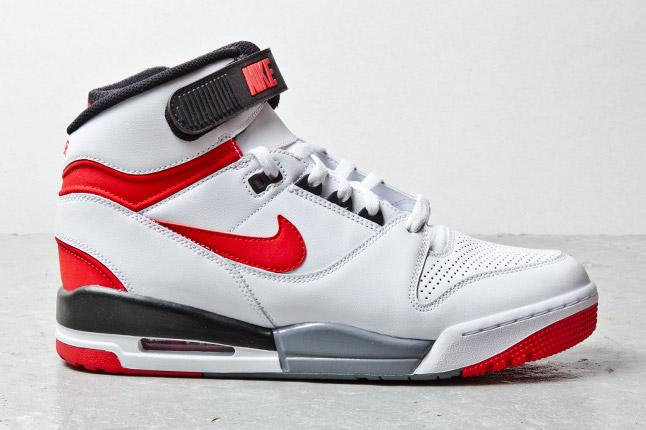 nike-air-revolution-white-red-black-4
