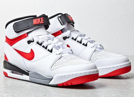 nike-air-revolution-white-red-black