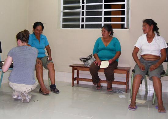 Acupuncture-Volunteering-Salvacion-Peru-Clinic-7