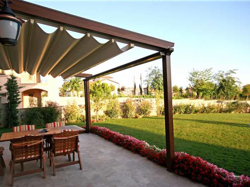 retractable roofing system the