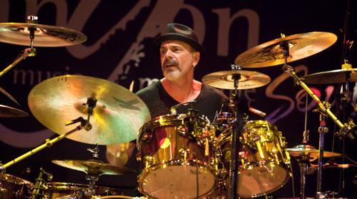 Danny Seraphine : Modern Drummer