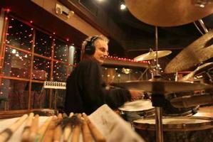 Jimmy Sanchez of Moonalice : Modern Drummer
