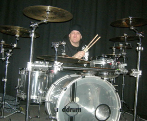 "Anthony ""Tiny"" Biuso of T.S.O.L. : Modern Drummer"