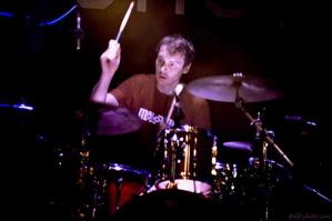 Yann Tiersen's Dave Collingwood : Modern Drummer