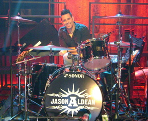 Rich Redmond of Jason Aldean : Modern Drummer