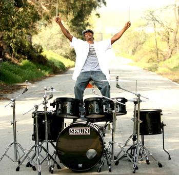 Eric Seats : Modern Drummer