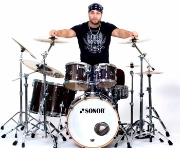 Giann Rubio of Blue For Sin : Modern Drummer