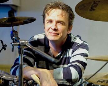 Gunnar Waage : Modern Drummer
