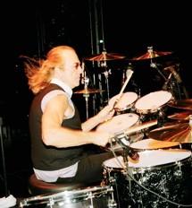 Roger Earl of Foghat : Modern Drummer