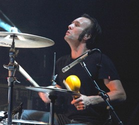 Nick Jones of the Jim Jones Revue : Modern Drummer