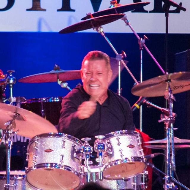 Drummer Les DeMerle