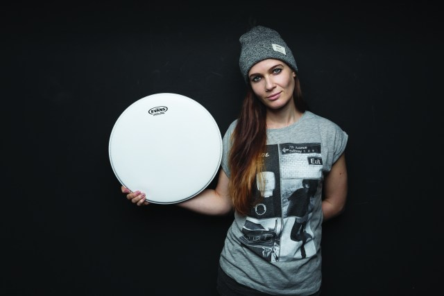 Anika Nilles (Nevell) is using Evans drumheads.