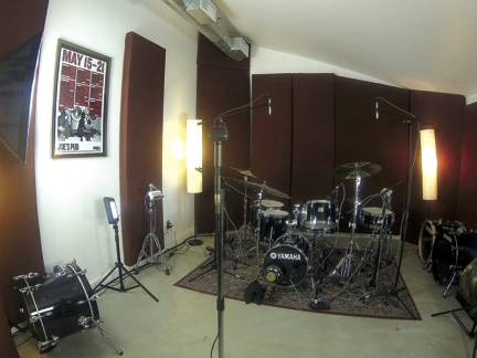 In The Studio - Seeing Sounds Part 5: Specialty Mics - Modern