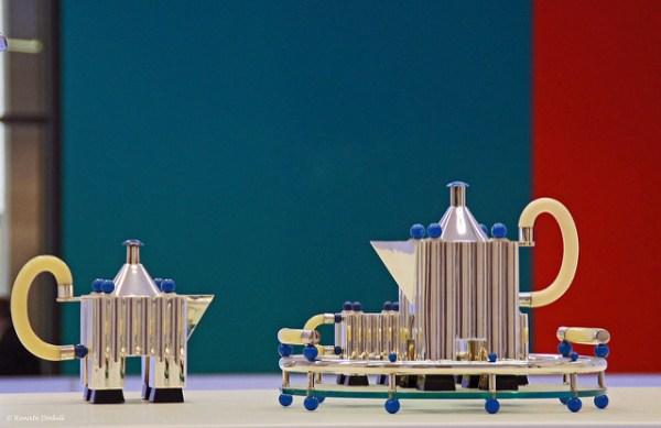 """""""Tea & Coffee Piazza"""" von Alessi, 1983, Michael Graves (Bild: Renate Dodell, CC BY ND 2.0)"""