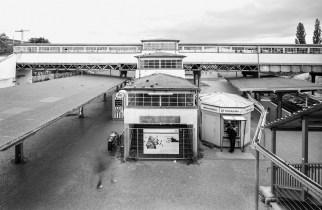 "Berlin, Bahnhof Ostkreuz (Foto: Wolfgang Reuss, Bild aus: ""Leben im Denkmal"", Gebrüder Mann Verlag)"