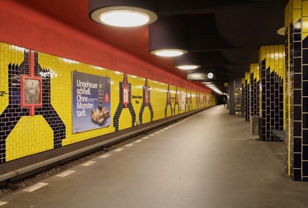 "Berlin, U-Bahnstation ""Richard-Wagner-Platz"" (Bild: Benjamin Janecke, CC BY SA 3.0, 2010)"