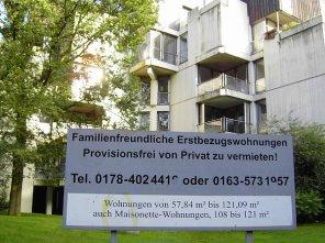 Kurz vor der Räumung versuchten findige Immobilienmenschen noch, Wohnungen zu vermitteln: Dorsten, Habiflex 2007 (Bild: Wulfen-Wiki)
