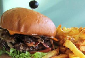 moderneburger-credit-moderne-burger