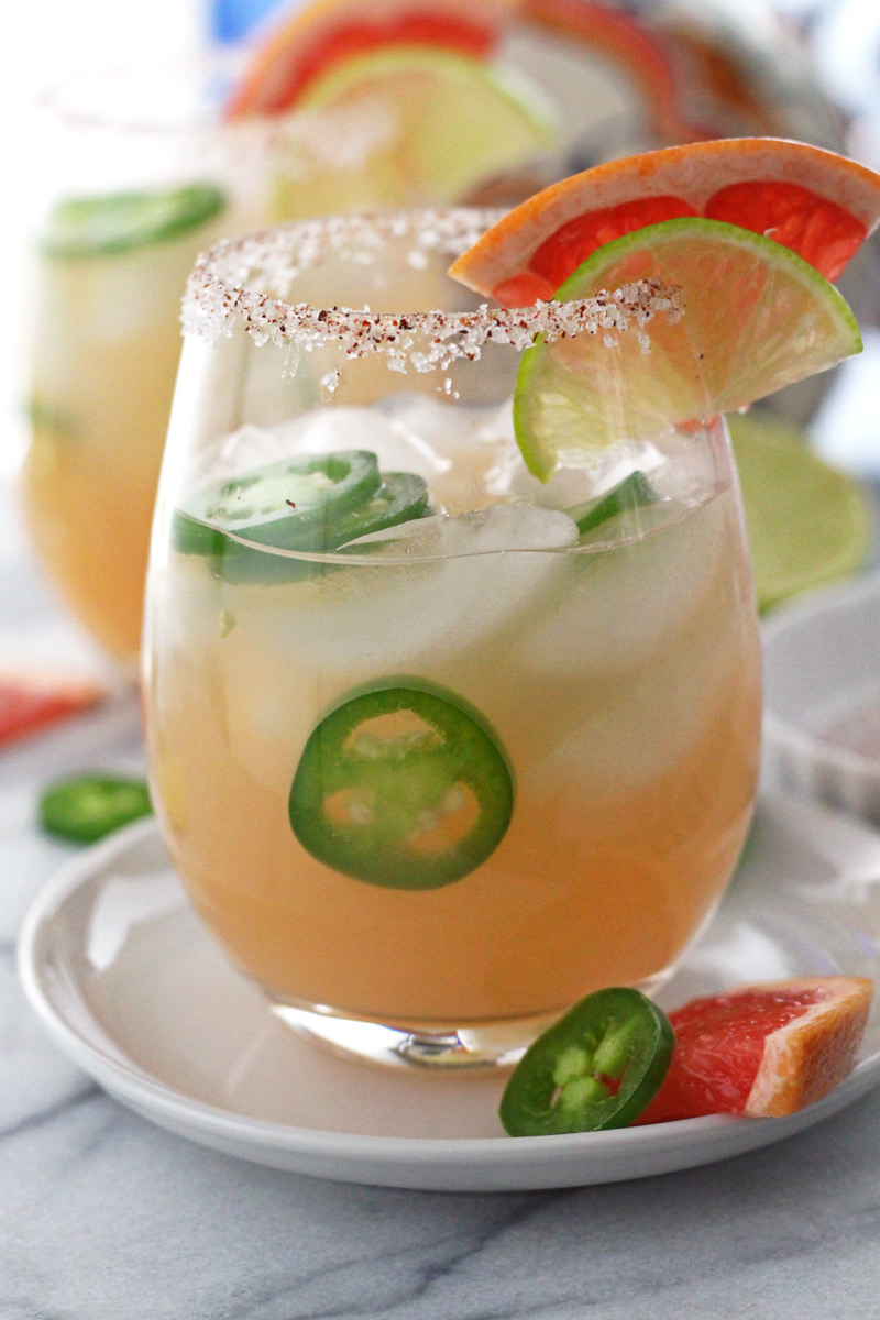 5 Ingredient Sparkling Jalapeno Grapefruit Margarita  -  Not too sweet, not too spicy, and made with lots of tequila. Perfect for summer days.. or any day!