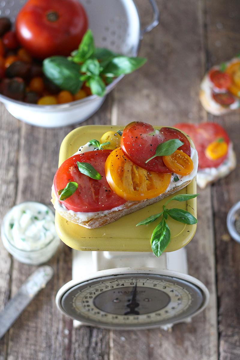 tomato sandwich with basil spread