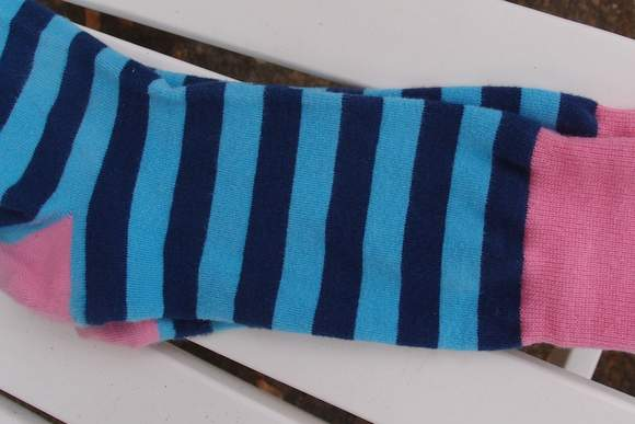 nice-laundry-blue-striped-socks