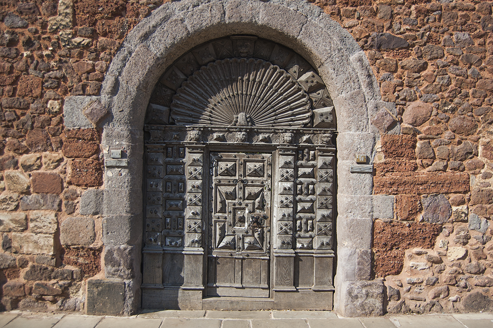 Arched doorway in Exeter, near the cathedral