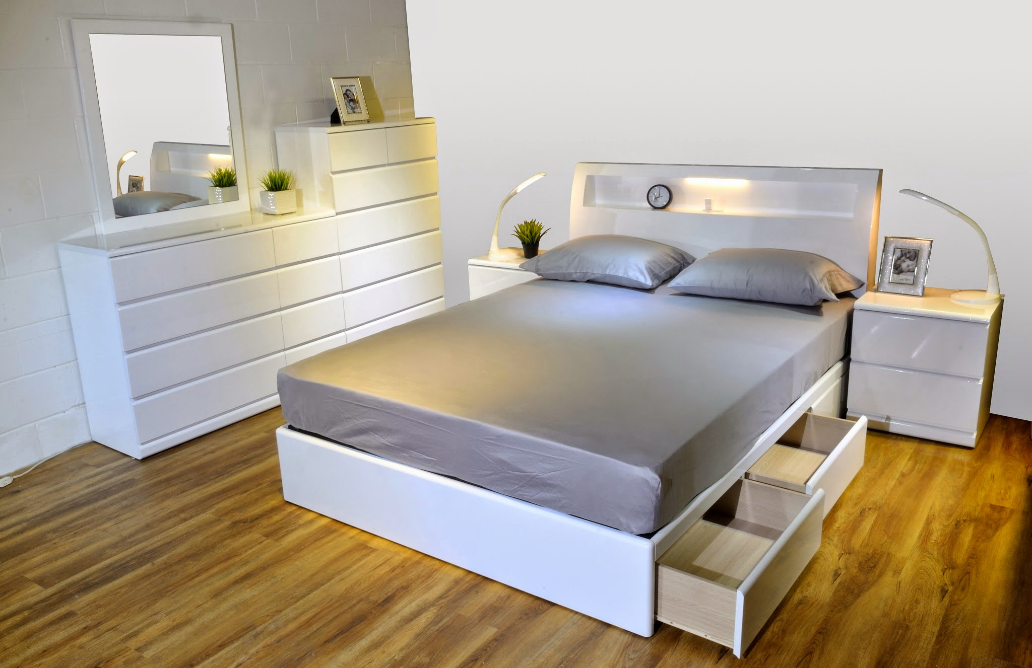 Alison BX GLossy White Bed Modern Furniture Toronto
