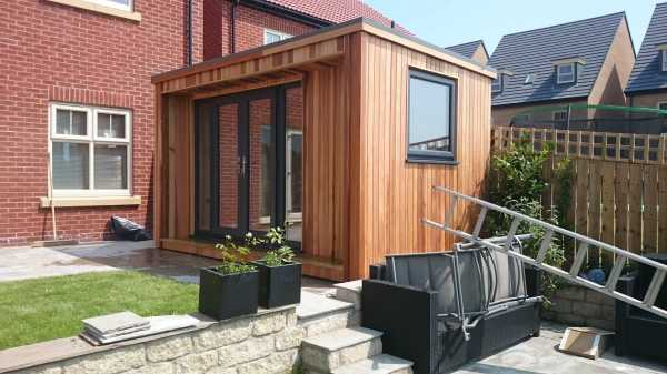 small garden office - concave room