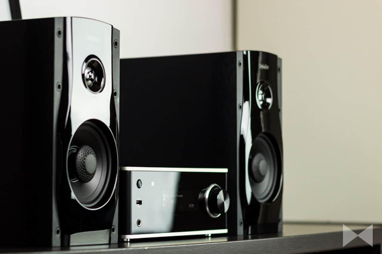 Denon-DRA-100-Test Netzwerk-Stereo-Verstärker mit Definitive Technology StudioMonitor 45-Lautsprechern