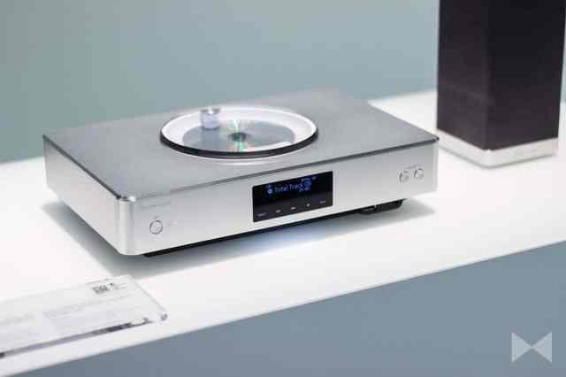 Technics-Ottava-SC-C500 Netzwerk-CD-Stereo-Verstärker mit Technics-Lautsprechern