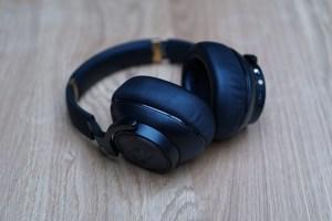 AKG N90Q Over-Ear-Kopfhörer mit Ohr-Einmessung