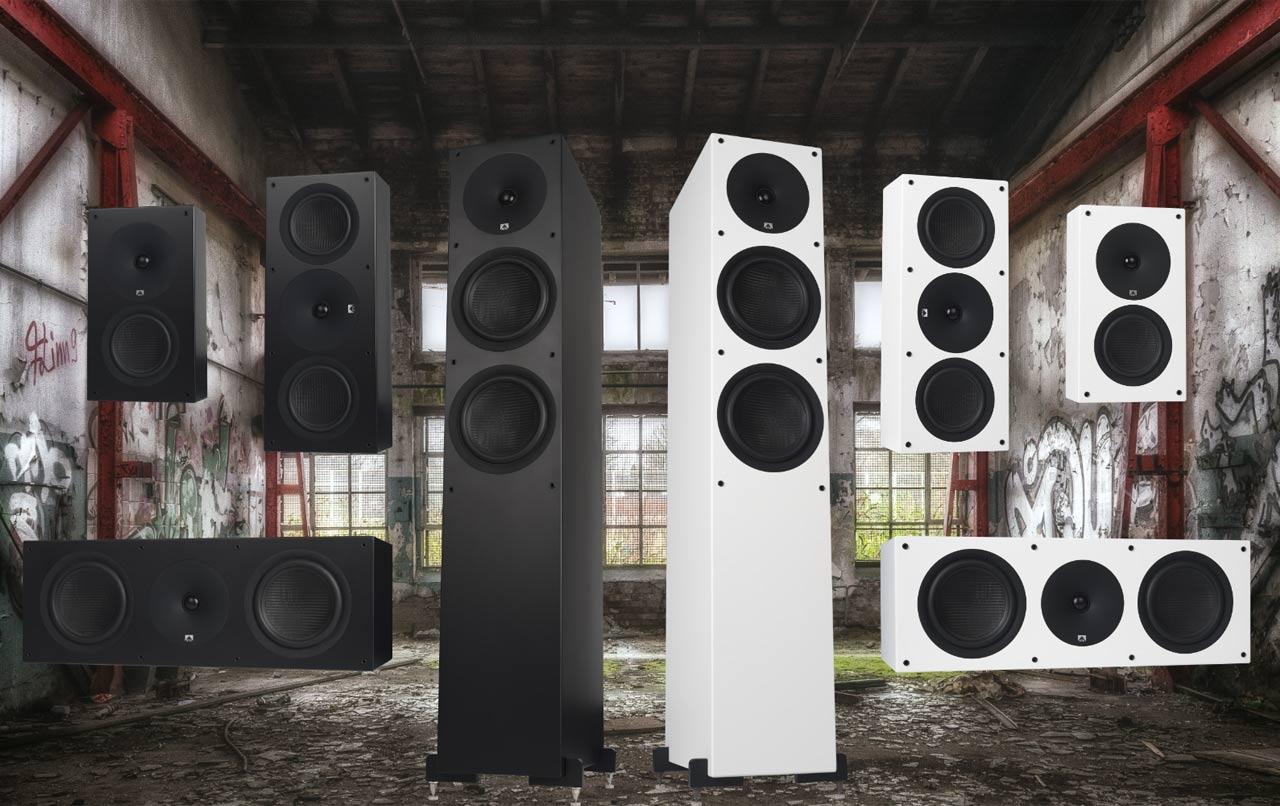 XTZ Spirit Serie mit Standlautsprecher, Regallautsprecher, Center-Speaker und Subwoofer