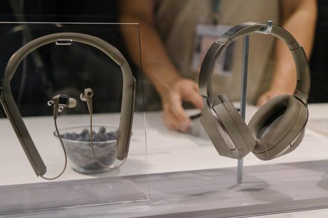 Sony WI-1000X In-Ear-Kopfhörer mit Nackenbügel