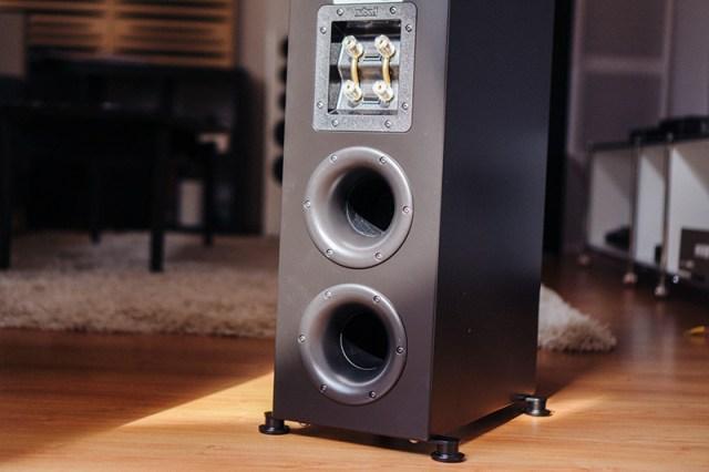 Nubert nuLine 334 Bass-Reflexöffnungen